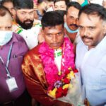Velammal Nexus Schools welcomed the champion, Mariyappan Thangavelu, the Silver Medalist in Men's High Jump (T24) for India at the Tokyo Paralympics 2020 recently. India's High Jump Champion was given a warm reception by M.V.M. Velmohan, Correspondent, Velammal Educational Trust, on his return at the Chennai Airport. Congratulating the Champion, M. V. M. Velmohan presented him with a bouquet, shawl and garland for his consistency and excellence. Students of Velammal enthusiastically welcomed the Arjuna Awardee raising slogans, holding banners and placards. Velammal felicitated Mariyappan Thangavelu as he has made the Nation proud at the World's biggest sporting stage.
